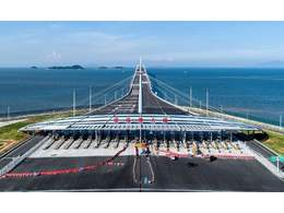 類似港珠澳大橋的工程適合用哪種土工格柵?